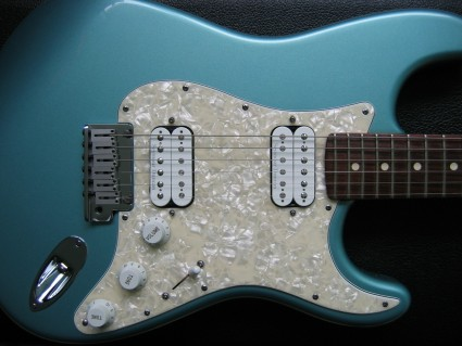 My Big Apple Stratocaster - Blue on Black