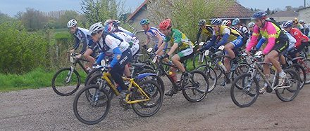 Carla leads the field away at Bussiere Pontivine