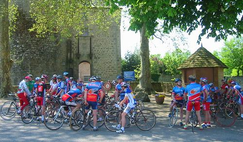 Rochechouart Olympic Cycling Club meet at the Chateaux